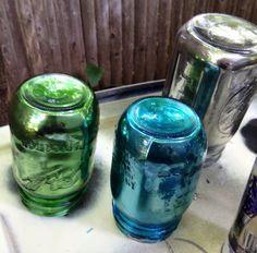 DIY Mirrored Mason Jars with Krylon Looking Glass spray paint @www.blessmynest.net