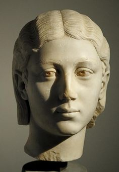 Woman, head of Roman scultpure (marble), 3rd century AD