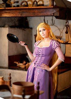 Disney Tangled - Rapunzel by KiaraBerry - Look my Cosplay! Tangled Cosplay, Tangled Rapunzel, Princess Rapunzel, Disney Cosplay, Disney Tangled, Cute Costumes, Disney Costumes, Cosplay Costumes, Geek Fashion