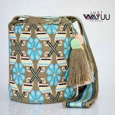 Handcrafted handbags made by indigenous wayuu in the north of Colombia. Worldwide shipping – envíos mundiales – PayPal WA +57 3188430452 #seoul #ootd #mochilas #wayuu #handmade #boho #hippie #bohemian #กระเป๋าถือ #Handgjord #Handgemacht #Handgemaakt #faitmain #london #australia #wayuubags #handcrafted #กระเป๋า #slowfashion Tapestry Bag, Tapestry Crochet, Knit Crochet, Boho Bags, How To Make Handbags, Crochet Purses, Crochet Accessories, Slow Fashion, Bucket Bag