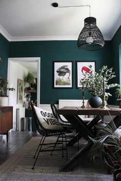 A Flair for the Lair – Dark Maximalist Interiors Victorian Rooms, Maximalist Interior, Open Plan Kitchen Diner, Minimal Bedroom, Dinner Room, Interiors Online, Boutique Interior, Front Rooms, Dark Interiors