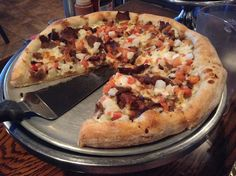 Have you tried Gyro Pizza from Roma's? #FoodPornFriday |Big Dude Likes Food