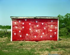 red shack with white stars, brownsville, tennessee 5/3/74 • stephen shore