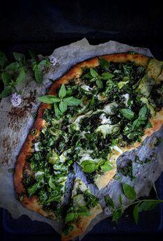 SŁODKI KOMPROMIS: Pizza zielona, z jarmużem i cukinią