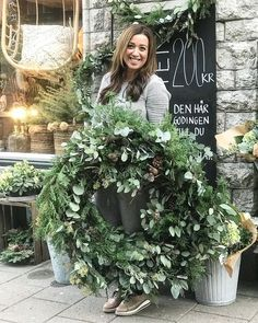 Pin by Esther Sluijsmans on adventskrans Natural Christmas, Noel Christmas, Rustic Christmas, Christmas 2019, Winter Christmas, Minimal Christmas, Simple Christmas, Wreaths And Garlands, Holiday Wreaths