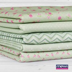 Kit Feltros Mewi (45x70) 5 Estampas - Composê Provence Verde - Bazar Horizonte Quilting Tips, Quilting Projects, Heather Bailey, Fabulous Fabrics, Decorating Your Home, Hand Embroidery, Korean Fashion, Knit Crochet, Cotton Fabric