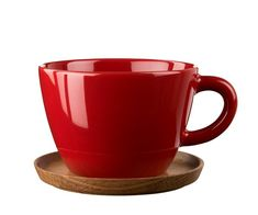 The Tea cup from Höganäs is made of best quality stoneware, with a practical wooden saucer to avoid stains on the table or to use as a lid. The design and colors are also available in coffee and espresso cups: in grey, red, white or blue. Cappuccino Tassen, Red Mug, Wooden Coasters, Coffee Staining, Teapots And Cups, Red Candy, Villeroy, Espresso Cups, Red Apple