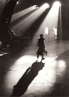 Toni Schneiders    In the Morning before 8, Frankfurt am Main, February 1951