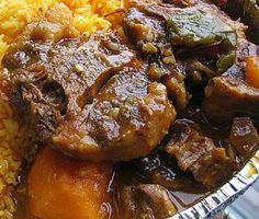 Home-Style Oxtail Stew : James Beard Foundation Oxtail Recipes Crockpot, Beef Recipes, Cooking Recipes, Curry Recipes, Oxtail Stew, Oxtail Meat, Braised Oxtail, Sauce Pizza, Comida Latina