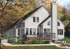 PANORAMIC VIEW COTTAGE    Grand Master Suite with witting area, open floor plan and large bonus space # 4626    https://www.drummondhouseplans.com/house-plan-detail/info/grandmont-cottages-chalets-1002111.html