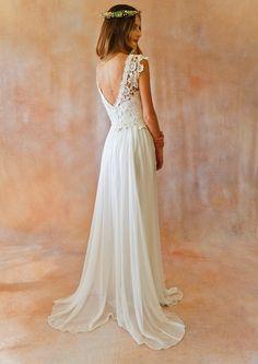 150+ Romance Lace Wedding Dresses Inspiration https://femaline.com/2017/04/17/150-romance-lace-wedding-dresses-inspiration/