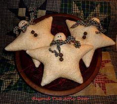 Primitive SNOWMAN STAR TUCKS Christmas Bowl Fillers. $13.95, via Etsy.