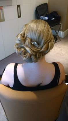 ROME HAIRSTYLIST IN ROME modern vintage wedding hairstyle