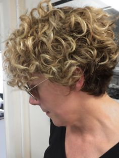 22 Curly Short Hairstyles You Will Absolutely Love: Blond Curls; Short Natural Curly Hair, Short Red Hair, Curly Hair Cuts, Curly Short, Short Hair Cuts, Curly Hair Styles, Pixie Cuts, Natural Curls, Thin Hair
