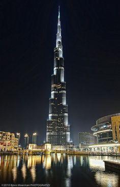 The tallest skyscraper on the earth .. the Burj Khalifa #dubai #uae
