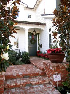 classic • casual • home: Exterior Holiday Decorating and Festive Cookies!