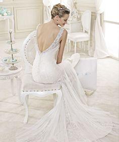 STYLE: NIAB15007DI #weddingdress #weddinggown #nicolespose