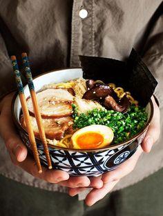 Tonkotsu RamenTonkotsu Ramen - Rich, delicious pork & chicken broth with fresh noodles, soft yolk eggs & melt in the mouth pork belly. Tonkotsu Ramen - Rich, delicious pork & chicken broth with fresh noodles, soft yolk eggs & melt Ramen Recipes, Asian Recipes, Cooking Recipes, Healthy Recipes, Dinner Recipes, Best Ramen Recipe, Delicious Recipes, Hawaiian Recipes, Gastronomia