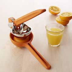 Chef'n Orange Juicer, Large - A kitchen must have...love mine!
