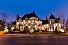 Beautiful home, love the accent lighting: