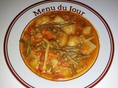 Dieta Rina-Ziua 43-Amidon – Andreea's Blog – My New Blog – O zi usoara si foarte placuta , nu am avut alte tentatii pe langa mine Mic Dejun: Capsuni Pranz: Mancare de legume (cartofi,pastai,mazare,morcovi,ceapa,ardei gras) Cina : Ciorba de cartofi (fara orez sau paste) #amidon #dietarina #meniurinaamidon Thai Red Curry, Bacon, Menu, Ethnic Recipes, Food, Menu Board Design, Hoods, Meals, Menu Cards
