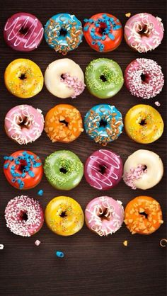 Doughnuts or donuts? Delicious Donuts, Delicious Desserts, Yummy Food, Food Wallpaper, Iphone Wallpaper, Wallpaper Ideas, Cute Donuts, Donuts Donuts, National Donut Day