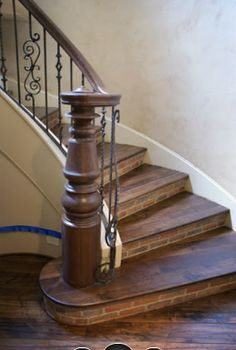 New Stairs Design Classic Newel Posts Ideas Entryway Stairs, Wood Staircase, Wooden Stairs, Staircase Ideas, Stairs In Kitchen, Stairs In Living Room, Railing Design, Staircase Design, Iron Stair Railing