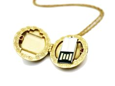 USB locket for keeping important files with you