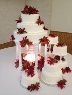 Fall wedding cake :) Types Of Wedding Cakes, Fall Wedding Cakes, Fall Wedding Flowers, Wedding Cakes With Flowers, Elegant Wedding Cakes, Beautiful Wedding Cakes, Our Wedding Day, Dream Wedding, Cake Flowers