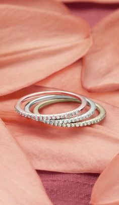 This stunning wedding ring is delicate, but dazzling.