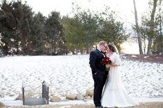 Winter wedding. White wedding. Red roses. Snow wedding.