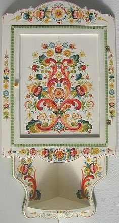Rosemaling Pattern, Norwegian Rosemaling, Polish Folk Art, Dining Room Walls, Wall Patterns, Painting Cabinets, Red Background, Geometric Designs, Line Drawing