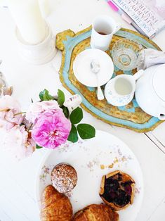 ♥ live fabulously... live beautifully....even if just coffee & doughnuts...