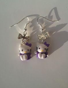 Boucle d'oreille petit chat kitty's avec noeud violet FIMO