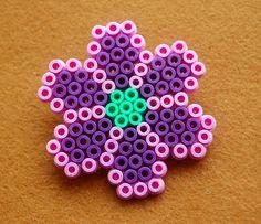 Hama Bead Flower Nº2 Price: £2 / 2,50€