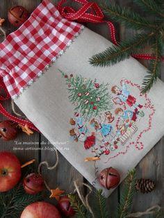 Моя швейно-вышивальная подготовка к новогодним праздникам завершена и я могу с облегчением выдохнуть. Нет, конечно, планов и желаний у ...