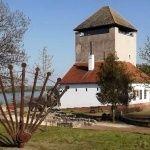 Dunaföldvár Vármúzeum  A történelem megannyi titkot rejt, amely mind megelevenedik a falakban. Túraútvonalak, kirándulás ötletek Magyarországon  #túrázás #Magyarország #természet #kirándulás Gazebo, Outdoor Structures, Kiosk, Pavilion, Cabana