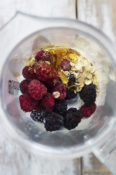 Berry Oat Breakfast Smoothie