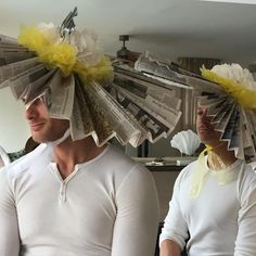 On Kentucky Derby Day, you wear big homemade newspaper hats, right? Projects For Kids, Art Projects, Newspaper Hat, Paper Hats, Run For The Roses, Hat Day, Derby Day, Recycled Art, Headpieces