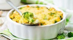 Easy Cheese and Broccoli Breakfast Casserole Recipe Healthy Breakfast Casserole, Slow Cooker Breakfast, Breakfast Recipes, Dinner Recipes, Breakfast Bake, Broccoli Cauliflower Casserole, Quinoa Broccoli, Broccoli Cheddar, Cauliflower Salad