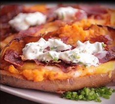 3 Süßkartoffeln150 ml Schlagsahne100 g geriebener Käse (z.B. Cheddar)2-3 Scheiben SchinkenKräuterqua... - HeimGourmet