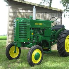 Do you think 1950 John Deere (M) deserves to win the Steiner Tractor Parts Photo Contest? Have your say and vote today for your favorite antique tractor photos!