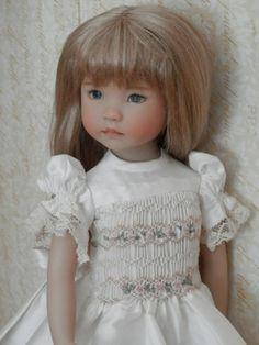 https://s-media-cache-ak0.pinimg.com/736x/d9/9e/29/d99e296a5ec00efacc8e4698ef76a4c4--hello-dolly-handmade-dolls.jpg