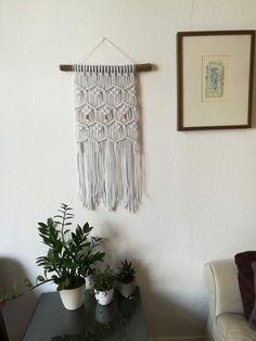 Wanddeko - Hellgrauer Makramee Wandbehang mit Kupferelementen - ein Designerstück von Paula_Schrank bei DaWanda