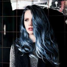 暗髪は大人のオンナの証♡ネイビーヘアカラーで魅惑の髪色|マシマロ
