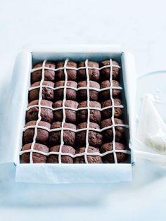 chocolate hot cross cookies//