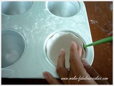 how to make gum paste teacup Taylor Williams I'm going to try these? Put cupcakes in them? Gumpaste Recipe, Fondant Icing, Frosting, Fondant Cakes, Sugar Paste Flowers, Engagement Cakes, Engagement Rings, Tea Party Theme, Cakes For Women