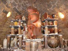 Toro in the Kiln Pottery Kiln, Pottery Art, Types Of Fire, Wood Kiln, Ceramic Workshop, Ceramic Artists, Firewood, Folk Art, Sconces