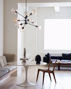 greige: interior design ideas and inspiration for the transitional home : Falling for: Lindsey Adelman Lighting Mesa Saarinen, Saarinen Tisch, Saarinen Table, Knoll Table, Home Interior, Interior Architecture, Interior And Exterior, Modern Interior, Globe Light Fixture