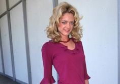 """Lisa Robin Kelly, an actress best known for her long-running role on """"That '70s Show,"""" died at age 43 on Wednesday.       :                Kelly had been staying at a rehab facility in California when she passed away in her sleep, according to TMZ."""